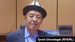 Манчжуриядагы Фу-йү кыргыздарынын өкүлү Ву Жанжу. 24.10.2015.