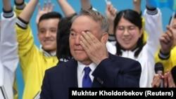 Бывший президент Казахстана Нурсултан Назарбаев на съезде своей партии, на котором кандидатом в президенты утвердили Касым-Жомарт Токаева, бывшего спикера сената. Нур-Султан, 23 апреля 2019 года.