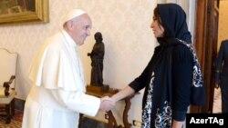 Mehriban Əliyeva Roma Papası Fransis ilə görüşüb