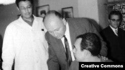 Bela Biszku (ne mes), minsitër i Brendshëm në qeverinë komuniste në vitet 1957-1961