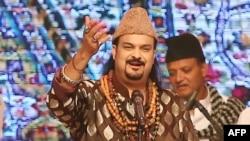 Пакистандык ырчы Эмжад Сабри