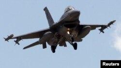 Турецький винищувач F-16 (ілюстраційне фото)