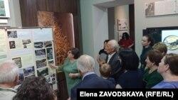 Заведующая отделом естественной истории Таисия Алания рассказывает об истории строительства дороги на озеро Рица