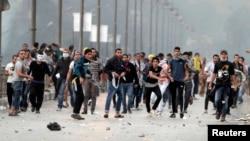 مناصرون للرئيس المصري المعزول محمد مرسي في إحتجاج بالقاهرة