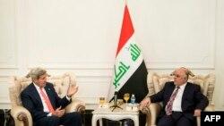 جان کری، وزیر خارجه آمریکا در دیدار با حیدر العبادی، نخست وزیر جدید عراق