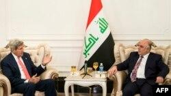 رئيس الوزراء العراقي حيدر العبادي يستقبل وزير الخارجية الأميركي جون كيري