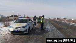 Қызылорда облысының Абай ауылында жүрген полиция қызметкерлері. 17 қаңтар 2019 жыл.