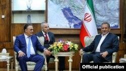 Թեհրան -- Գագիկ Բեգլարյանը և Իրանի նախագահի առաջին տեղակալ Էսհաղ Ջահանգիրին: 21-ը հունվարի, 2016 թ․