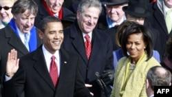 Барак Обама ант кармоодо. 2009-жылдын 20-январы.