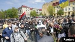 Во Львове празднование Дня Победы вылилось в массовые беспорядки