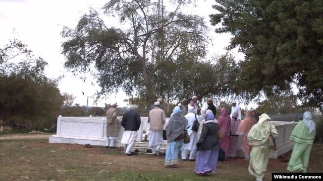 بنای موسوم به مکان دفن سر حسین ابن علی در اشکلون