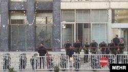 مقابل وزارتخانه نفت ایران