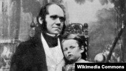 Charles Darwin böyük oğlu ilə, 1842