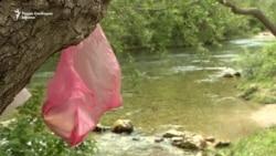 """Дрвјата на Матка """"украсени"""" со отпадоци"""