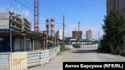 Дорога к новому микрорайону в Новосибирске