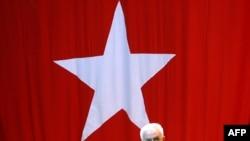 Генералот Косанер си поднесе оставка