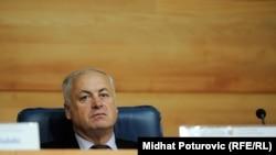 Član CIK-a Suad Arnautović podsjeća da CIK mora poštivati procedure rada propisane striktno zakonom