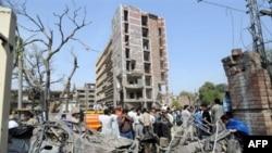 ساختمان اداره تحقيقات فدرال بر اثر بمب صدمه جدی دیده است. (عکس: AFP)