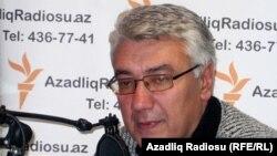 Ադրբեջանցի քաղաքագետ Էլդար Նամազովը «Ազատություն» ռադիոկայանի Բաքվի ստուդիայում, արխիվ