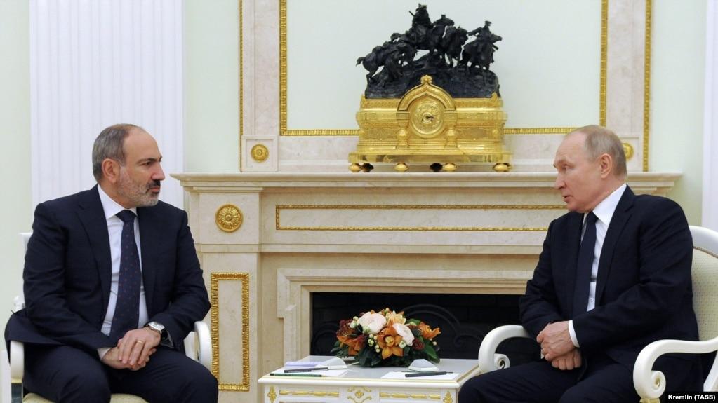Пашинян попросил Путина помочь с освобождением удерживаемых Азербайджаном военнопленных
