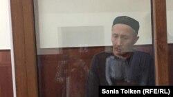 Абловас Жұмаев сот үкімін тыңдап отыр. Ақтау, 20 қыркүйек 2018 жыл