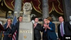 ამერიკის კონგრესში ვაცლავ ჰაველის ბიუსტი დაიდგა