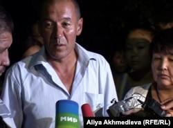 Отец погибшего пограничника Куатбек Мукаш. Ушарал, 26 июля 2012 года.