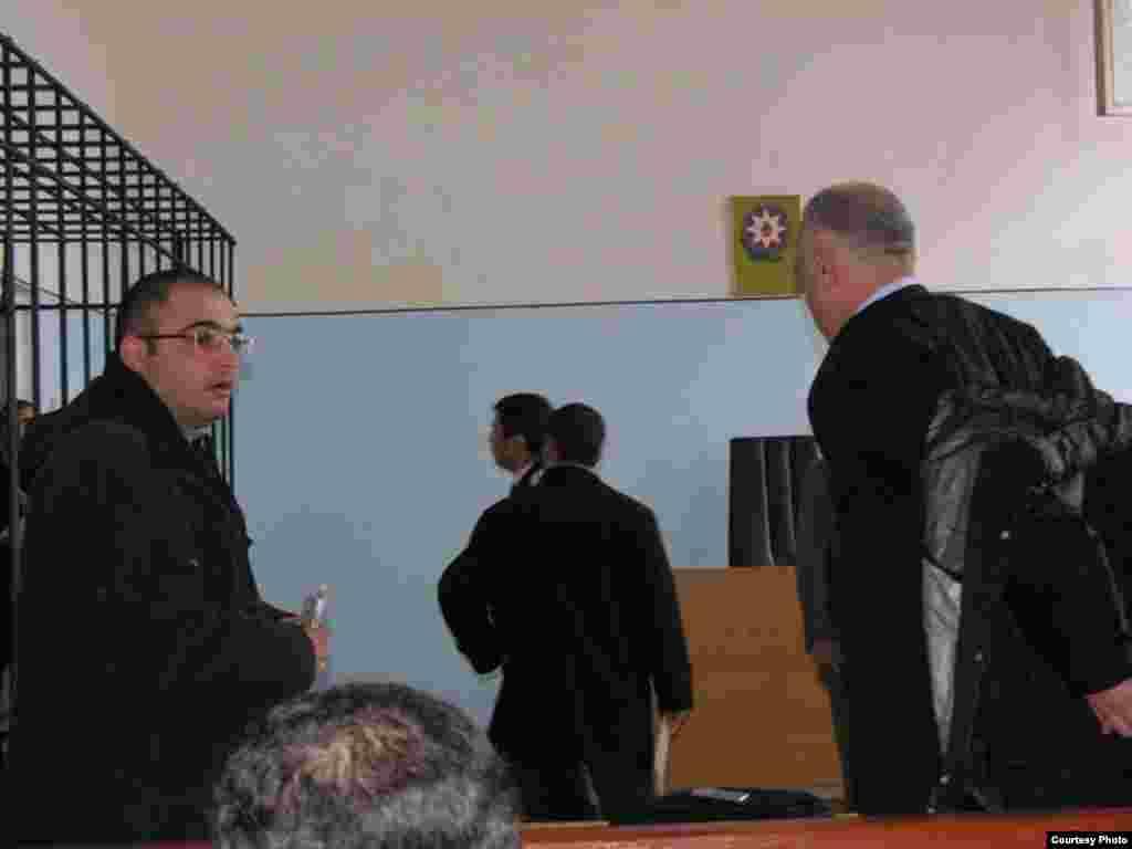 Jurnalist Eynulla Fətullayev və vəkil İsaxan Aşurov