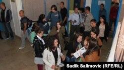Mladi iz cijele BiH tokom jednog od susreta u Srebrenici, novembar 2013.
