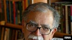 علی اشرف درويشيان که يکی از قديمی ترين اعضای کانون نويسندگان ايران است، درسال ۲۰۰۶ جايزه «هلمن همت» سازمان ديده بان حقوق بشر را به خود اختصاص داد.