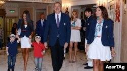Prezident Əliyev ailəsi ilə Londonda. 2012-ci il