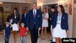 İlham Əliyev nəvələriylə birlikdə Londonda «Azərbaycan günü»nə qatılıb