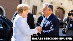 Ангела Меркель и Виктор Орбан на встрече в Шопроне, 19 августа 2018 года