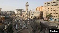 Իսրայելի զինուժի կողմից ռմբահարումների պատճառած ավերածությունները Գազայի հատվածում, Նուսեյրաթ, 12-ը հուլիսի, 2014թ․