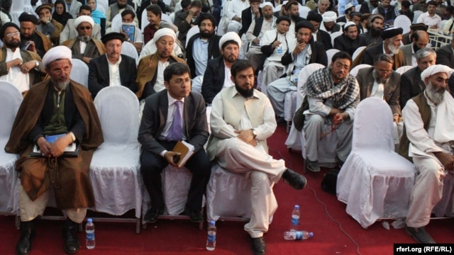Islamic clerics on Afghanistan's Ulema Council have asked President Hamid Karzai to expand their clout by giving them the power to issue legally binding fatwas. (file photo)