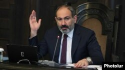 Armenia-Prime Minister Nikol Pashinian chairs the Government's session, 8 Feb2019