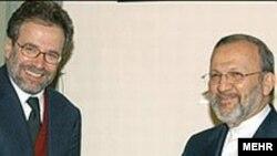 امبرتو رانیری، رييس کميسيون سياست خارجی ایتالیا و رییس هیئت پارلمانی که به ایران سفر کرده بود روز شنبه با منوچهر متکی دیدار کرد
