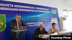Сегодня в абхазской столице на Национальной деловой конференции члены правительства, экономисты, предприниматели и юристы обсуждали проблемы экономического развития страны