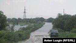 Затопленная дорога