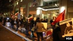 معترضان در برابر سفارت پاکستان در واشینگتن به عنوان حافظ منافع جمهوری اسلامی تجمع کرده بودند