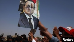 Sud Hosni Mubäregi parahat protestçileriň öldürilmegine dahyllylykda günäli tapdy.