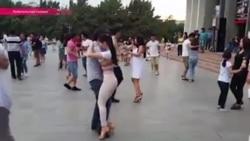 Развратная бачата: религиозные мужчины сорвали флешмоб латиноамериканских танцев