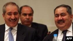 وزيرا خارجية العراق هوشيار زيباري ونظيره الأردني ناصر جودة في إفتتاح أعمل القمة الإقتصادية العربية الثانية في مصر