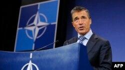 Генеральный секретарь НАТО Андерс Фог Расмуссен заявил, что приветствует участие Грузии в миссии ISAF, и Грузия стала самым крупным контрибутором среди стран, не являющихся членами альянса