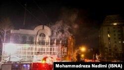 حمله به سفارت عربستان در تهران پس از اعدام شیخ نمر