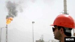 İranda neft yatağı