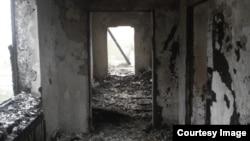 Один из сожженных домов родственников предполагаемых экстремистов. Селение Янди