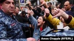 """Ереван. """"Бархатная революция"""" в фотографиях"""