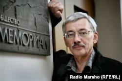 Олег Орлов