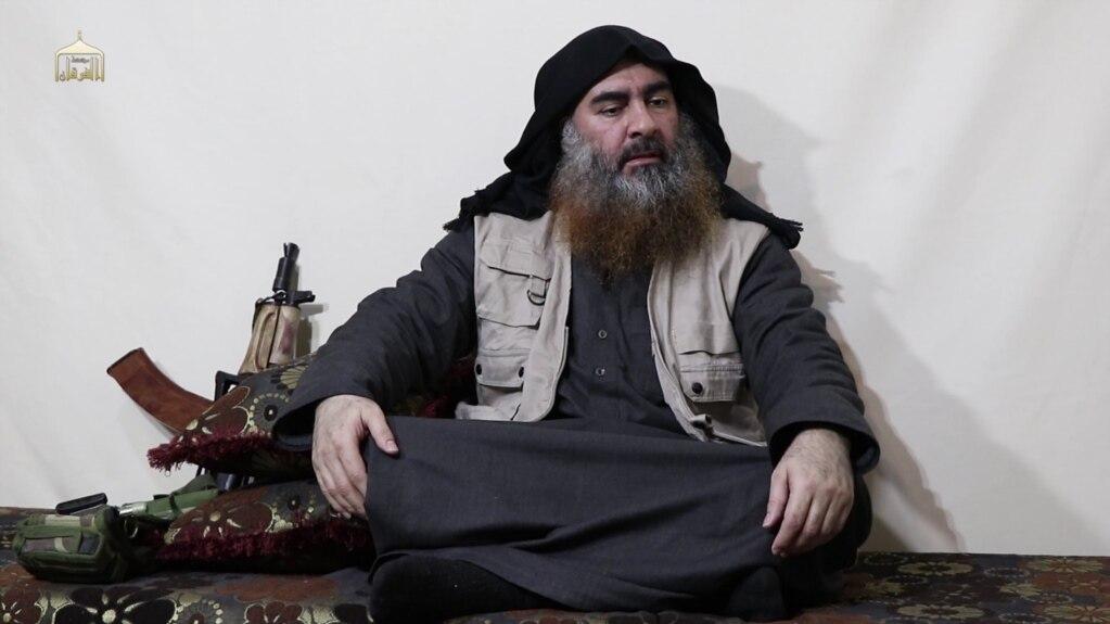 Abu Bakr al-Baghdadi u videu koji je objavljen u aprilu.